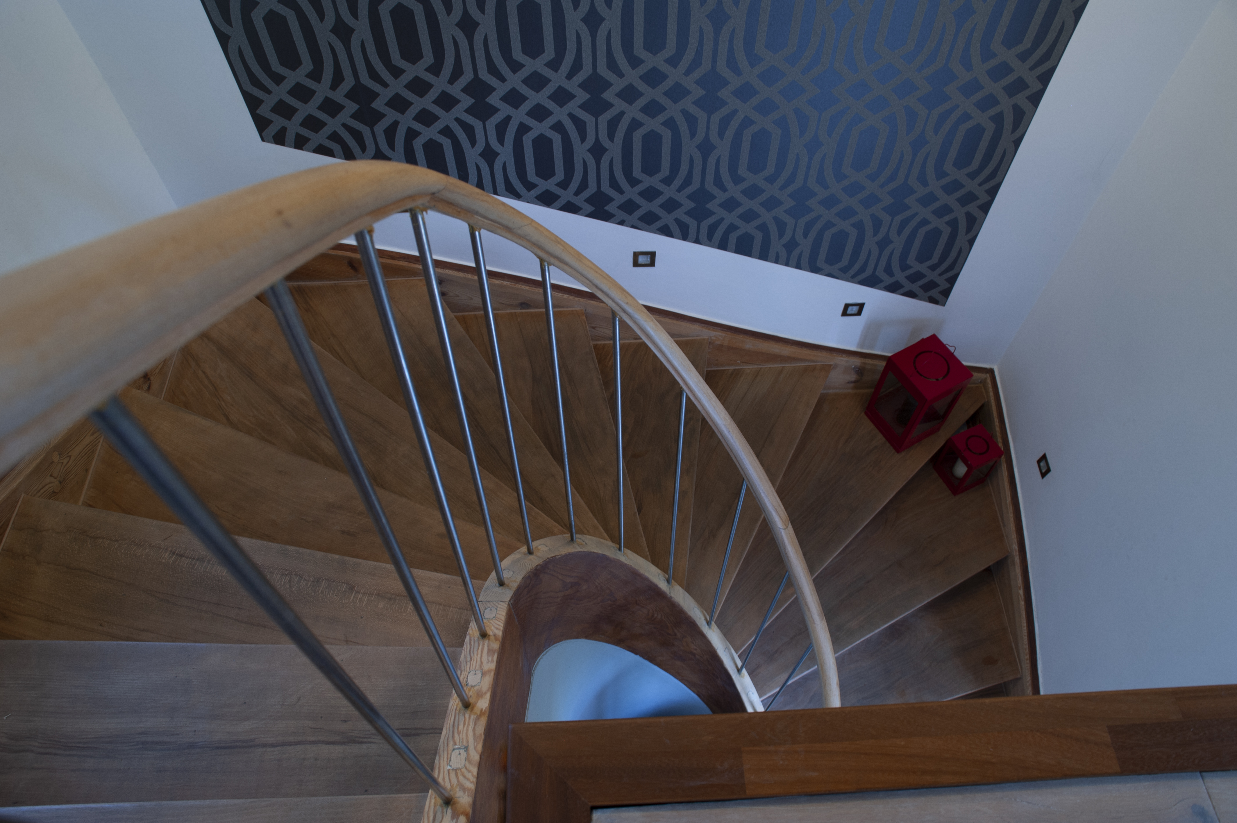 Treppenstufen-aus-Parkett