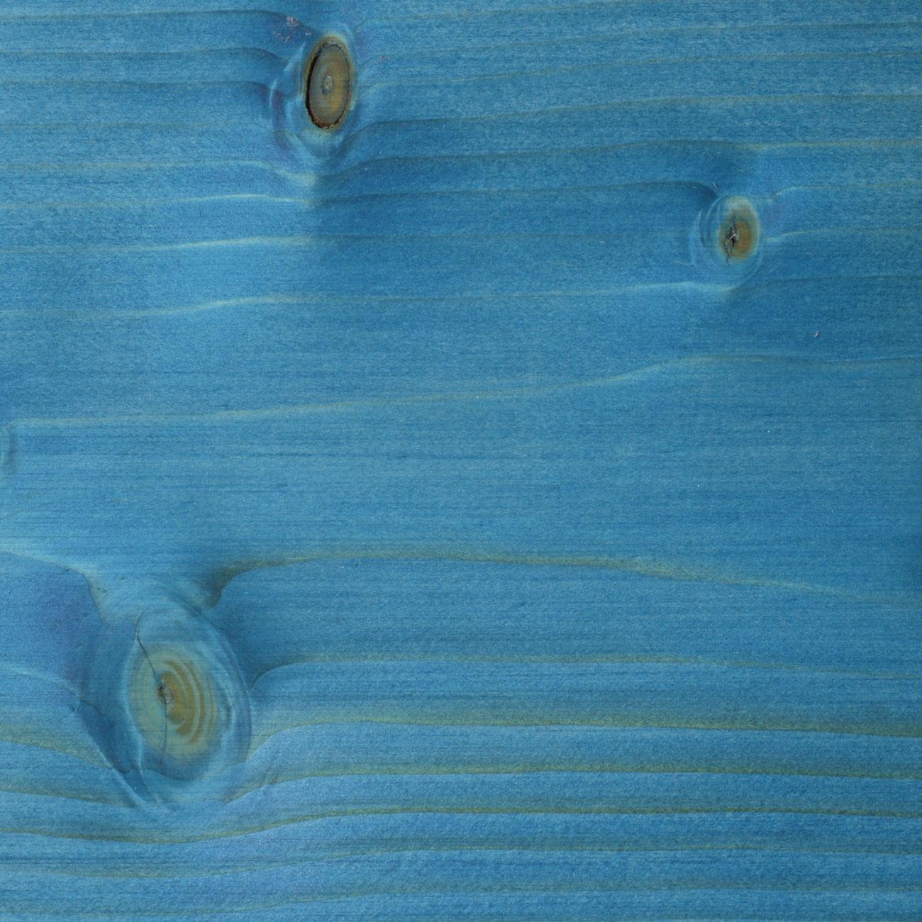 114. Fichte, geschliffen mit Faxe Speziallauge zzgl. 5% Faxe Combicolor blau gelaugt und mit Faxe Holzbodenöl natur geölt
